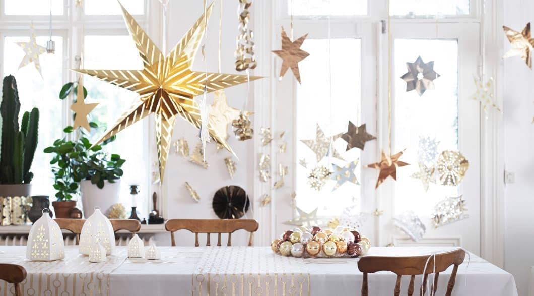 Χριστουγεννιάτικη διακόσμηση με αστέρια