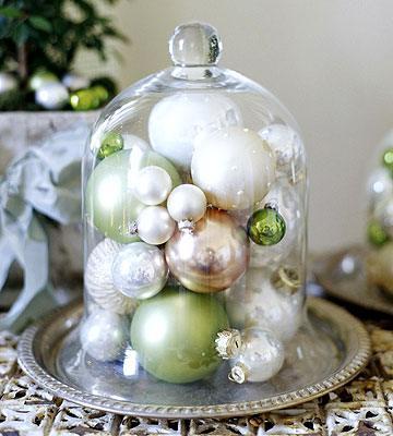 Χριστουγεννιάτικη διακόσμηση με μπάλες