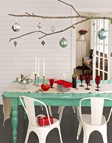 Χριστουγεννιάτικη διακόσμηση με κλαδιά